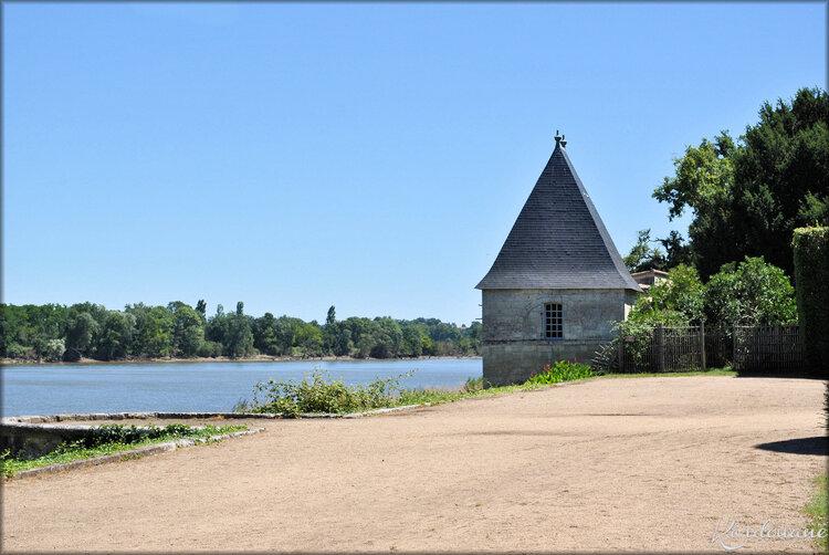 Petit pavillon du château de Vayres (Gironde)