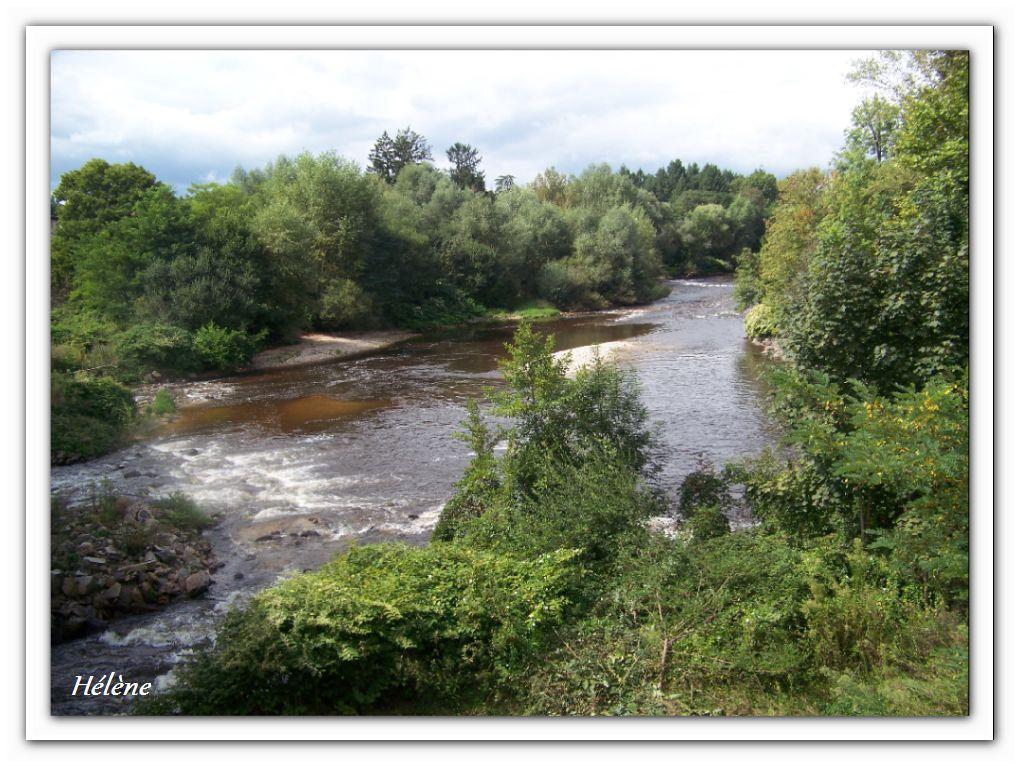"""18 septembre 2013 """"         jour du départ arrêt à Thiers au bord de la rivière la Dore"""""""