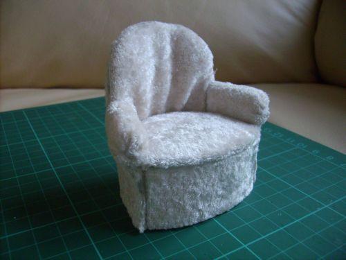 Fauteuil crapaud mon monde lilliputien for Coudre housse fauteuil