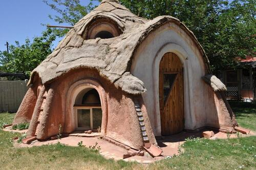 Maisons en sacs de terre