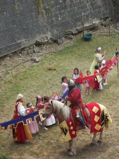 Les 32 e Médiévales de Provins, Activité pour enfant avec un chevalier #4