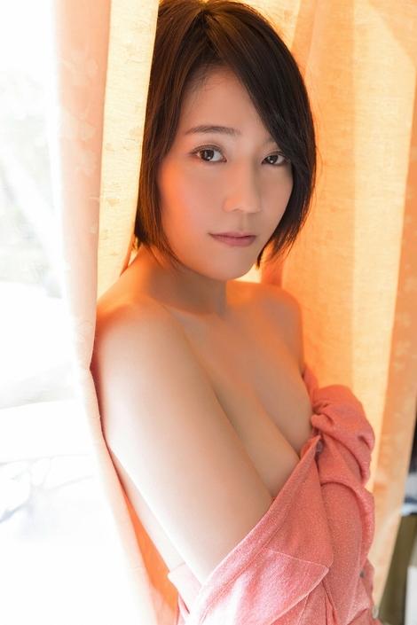 WEB Gravure : ( [Visual WEB S] -   Vol.810   Yui Shirakawa : 四つの顔を持つ女 )