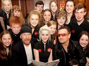 Les dix millions de dollars du programme musical de U2 et d'Ireland Fund aux écoles va être permanent