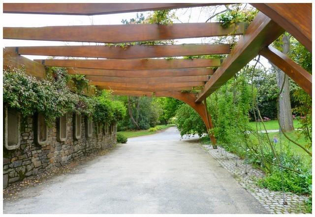 entrée parc roseraie