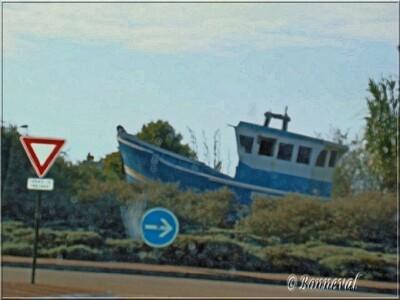 Rond-point vers Pornic Loire Atlantique Pays de la Loire chalutier