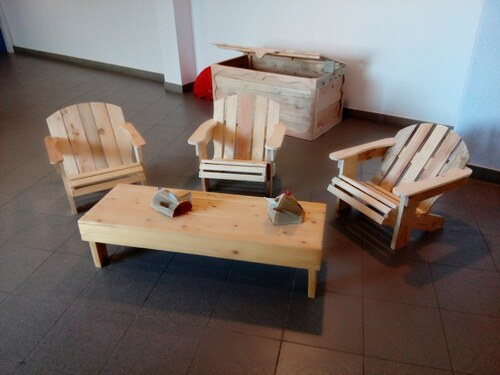 Meubles en bois de palettes à prix libres