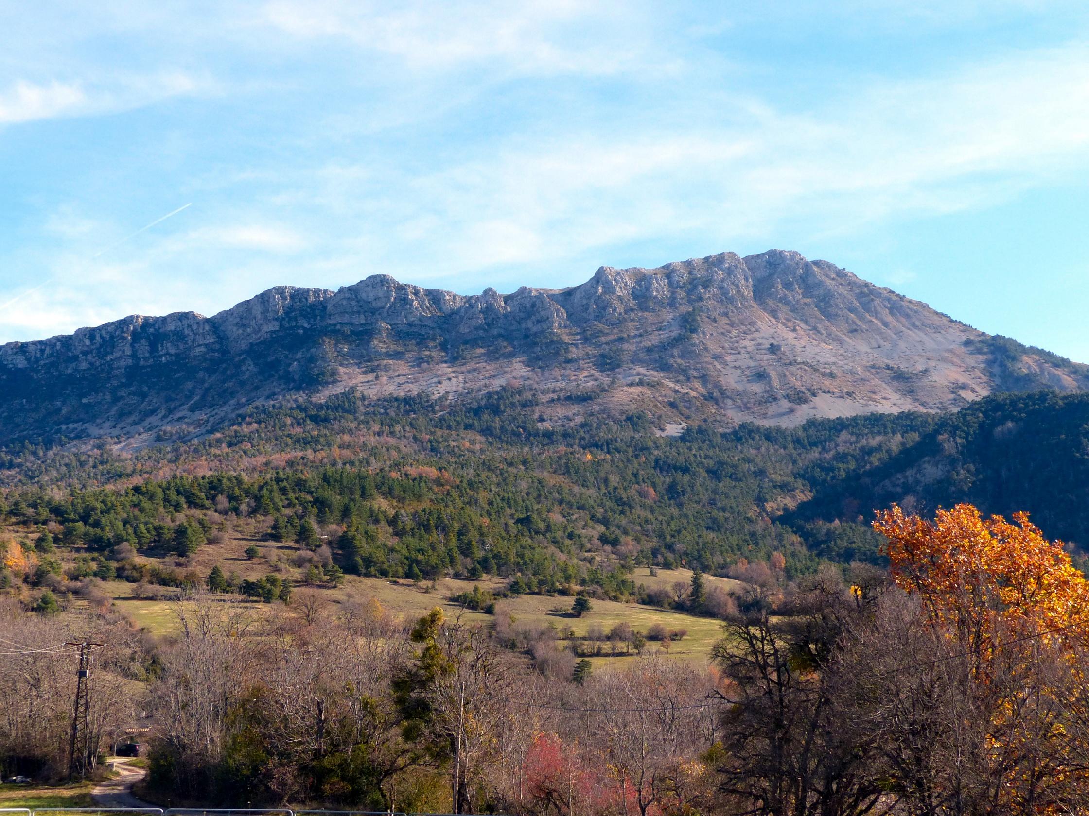 http://ekladata.com/yGIluU6C0HE58yD7eTiJeY3miPI/blieux-2015-paysage-montagneux.jpg