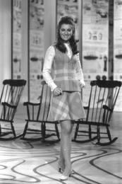 Mai 1968 : Petit tailleur pour française moyenne.