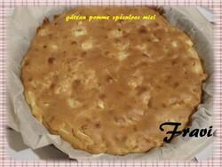 Gâteau aux pommes/spéculoos/miel