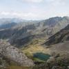 Du sommet du pic de Cumiadères (2623 m), le lac de Maucapéra et le pic du Midi de Bigorre
