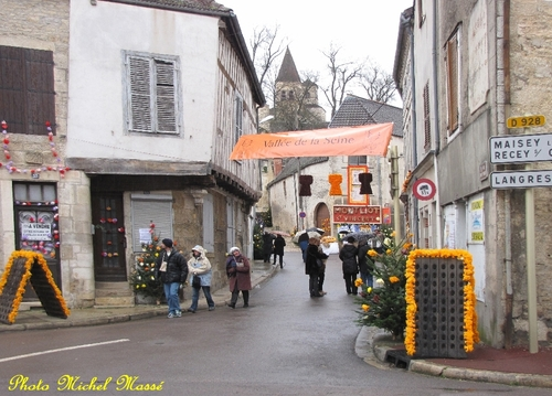 Les rues de Châtillon sur Seine étaient décorées magnifiquement pour la Saint Vincent Tournante des Crémants de Bourgogne 2013......
