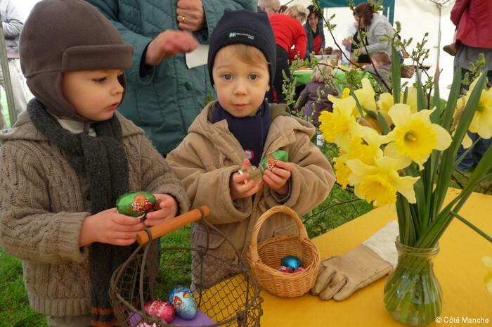 Pâques....Origines...Oeufs...Cloches... Chocolat...  Tout Ce Qu'il Faut Savoir.....