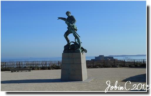 Statue de Robert Sourcouf à St Malo