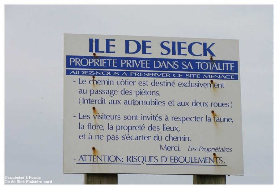 Chapelle Ste Barbe et l'île de Siek en Finistère nord