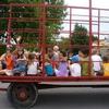 tour de tracteur pour amuser les jeunes.JPG