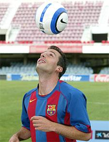Ludovic Giuly ki jongle de la tête