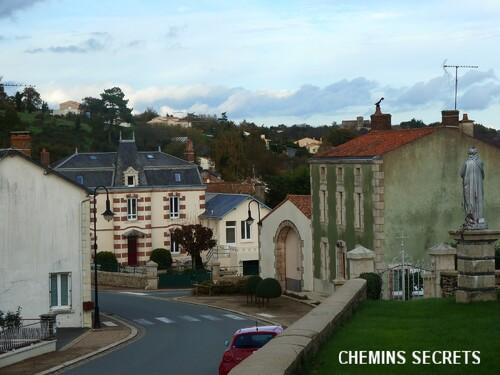 Châteaumur....