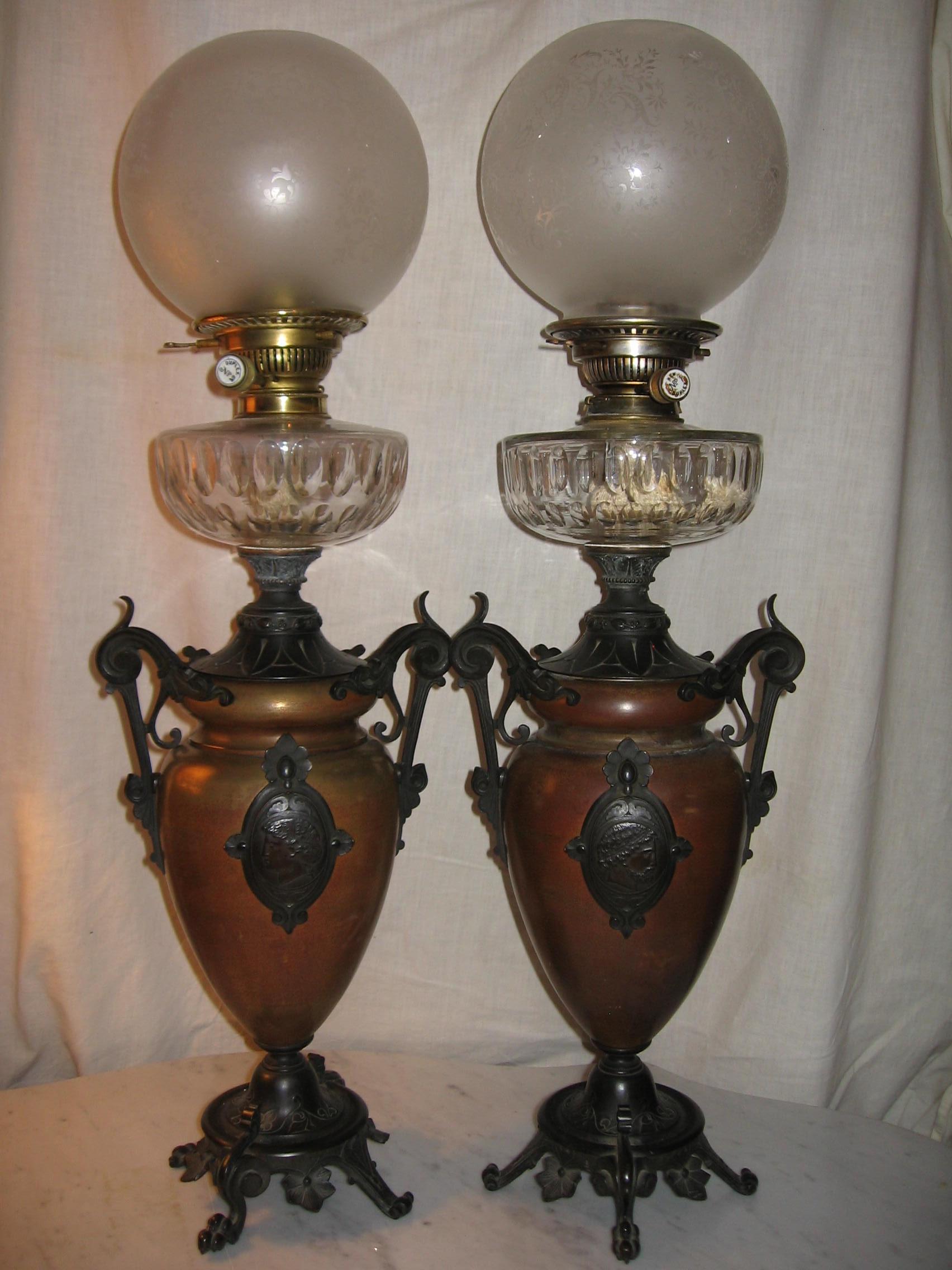 paire de lampes collection de lampes anciennes. Black Bedroom Furniture Sets. Home Design Ideas