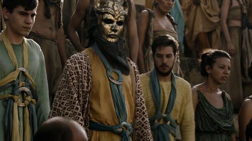 Costume et masque des Fils de la Harpie