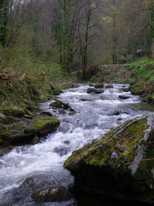 yQZN1Ca0lKTLdGjDMxHtMj_unps amont dans Cours d'eau de l'Ariège
