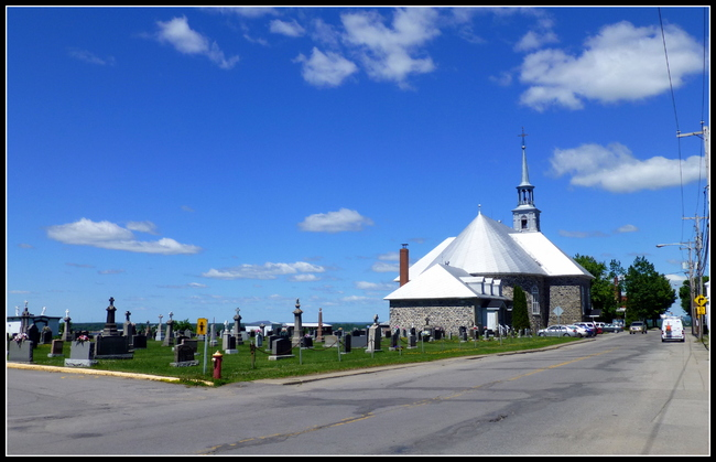 -Premiers jours au Québec.