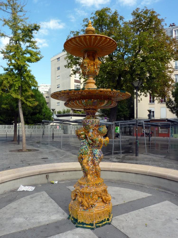 Fontaine place de la Réunion
