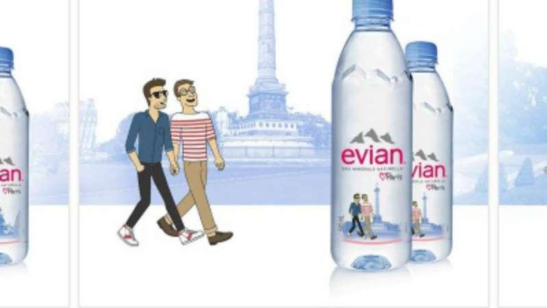 Pluies de commentaires homophobes pour un couple d'hommes sur une bouteille d'Evian