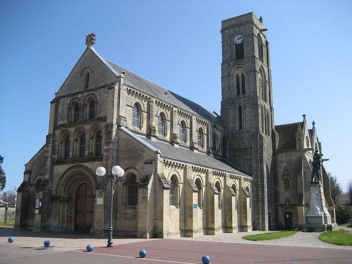 Lion-sur-Mer Eglise Saint-Pierre.jpg