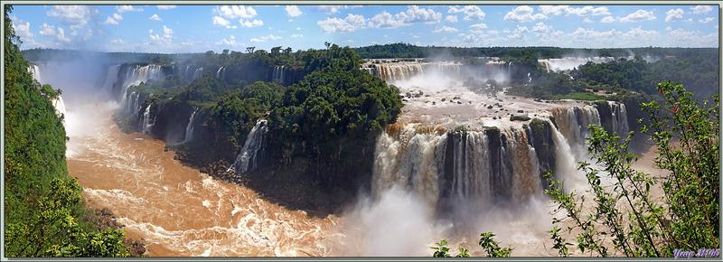 D'autres photos panoramiques des chutes vues à partir de la passerelle d'accès - Foz do Iguaçu - Brésil