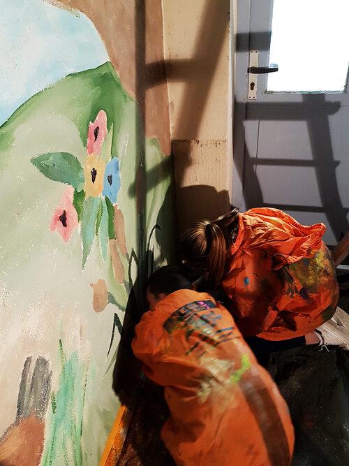 Stage graff street-art : realisation de dessin, customisation de casquette, fresque sur le mur de l'espace realiser par 7 jeunes de l'espace jeunesse de Sauvian (34) décembre 2016 et janvier 2017