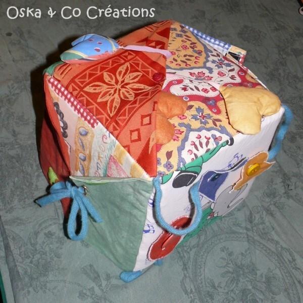 cube-d-eveil-fait-main-oska---co-creations.jpg