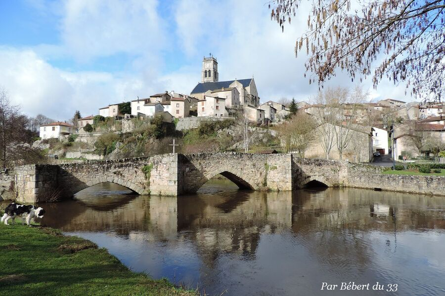 l'église Notre Dame et le vieux pont de Bellac dept 87