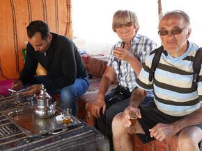 Ahmed notre chauffeur, Paulette et Jean