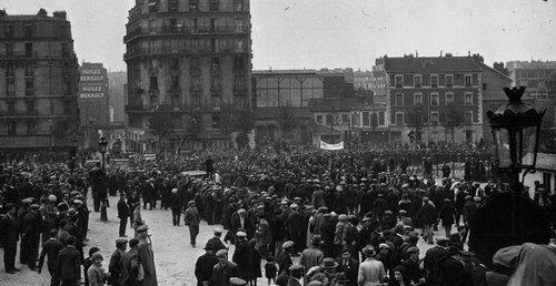 Vincennes 1934 1er mai, manifestation communiste. Cliquer pour agrandir