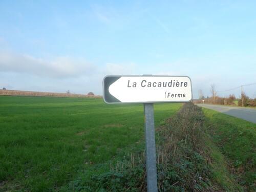 Pouzauges et la colonne de Lachenay....