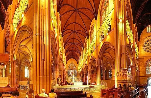 800px-SaintMarys CathedralSydney
