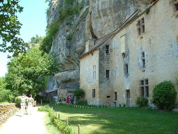 Le château troglodyte de REIGNAC (24)