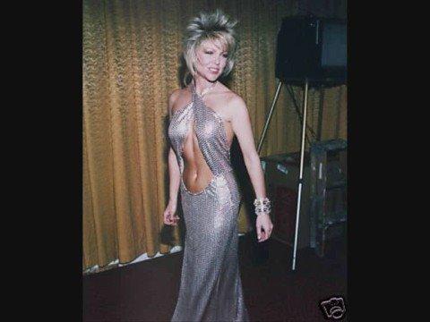 la très sexy Lisa Hartman.