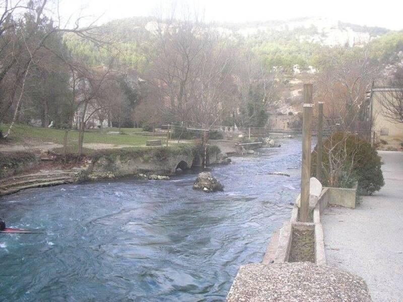 A la fontaine du Vaucluse