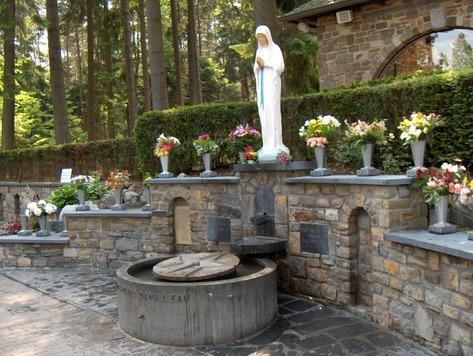 Banneux : La Vierge des pauvres
