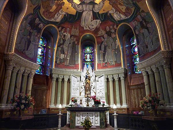 Ste Anne de Beaupré basilique autel