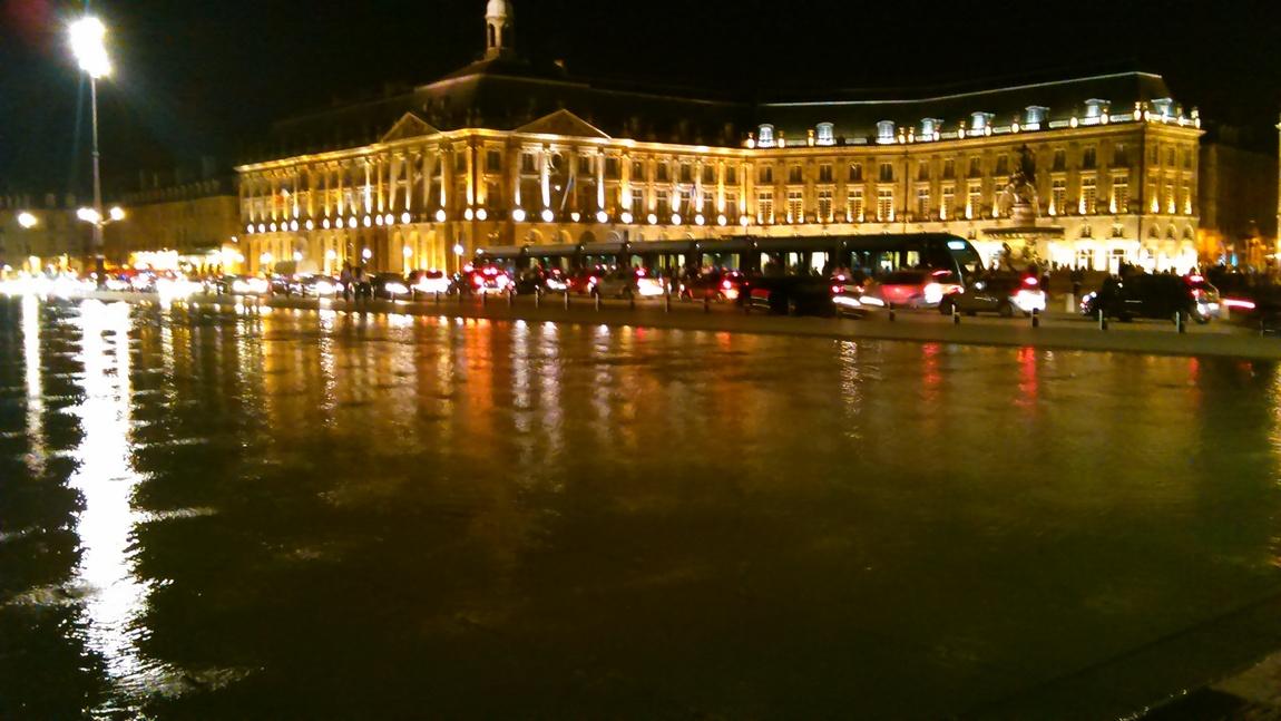 le miroir d'eau à Bordeaux (33)