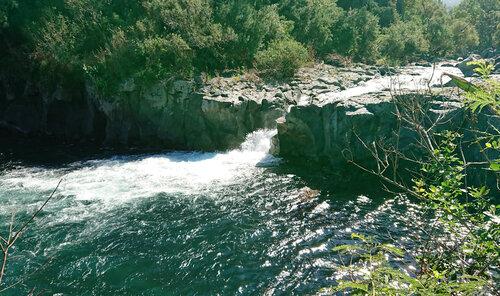 Le Bassin l'Embouchure et sa cascade