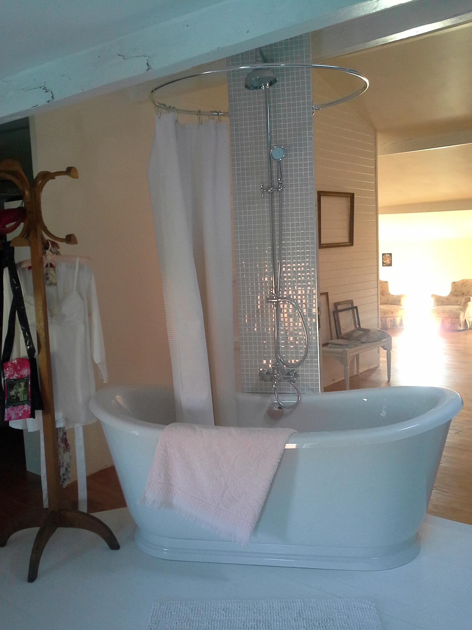 colonne de douche avec robinetterie sensea siryo plus. Black Bedroom Furniture Sets. Home Design Ideas