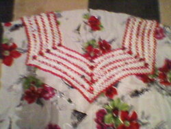 la robe blanc rouge