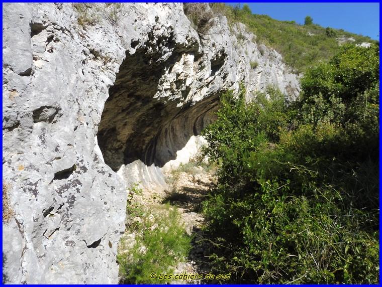 Massif de l'Etoile, le ravin de Mauvelle