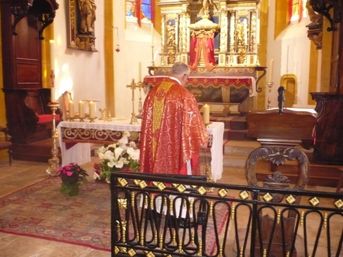 Messe de Pentecôte à Catus