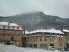 Place de la cathédrale de Mende sous la neige