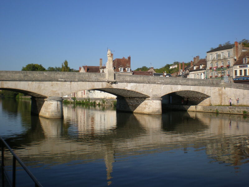 CLAMECY (58), ses ponts, son canal