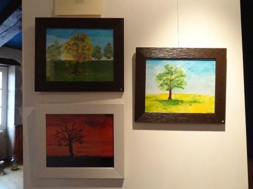 """L'exposition """"au détour des arbres"""" organisée par ARCE à Recey sur Ource.."""